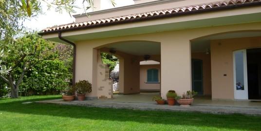 Recente Villa unifamiliare Monte Bianchinu