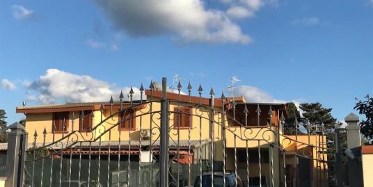 Villetta trilocale con giardino