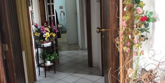 Quadrivano con giardino in piccola palzzina Sant'Orsola